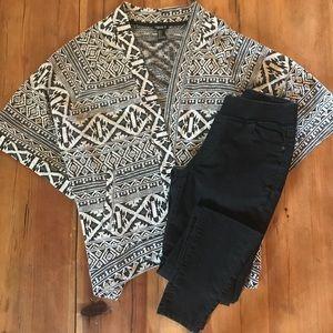 Aztec Print Wrap - Dark Gray/Black & off white